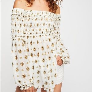 Searching for this top in white or orange!